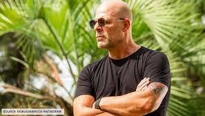 Bruce Willis Issues Apology Over Maskless Viral Picture, Calls It an Error  Of Judgement