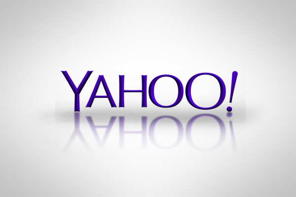 Yahoo closes China office as profit falls