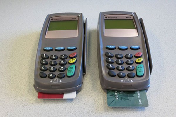 How to spot a card skimmer at a restaurant
