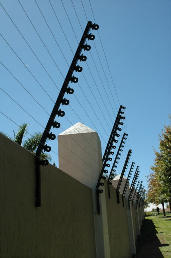 Off Road Design >> Beware the electric fence you install