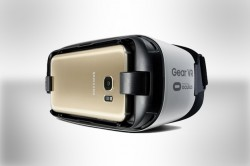 Samsung Galaxy S7 Edge in a Gear VR