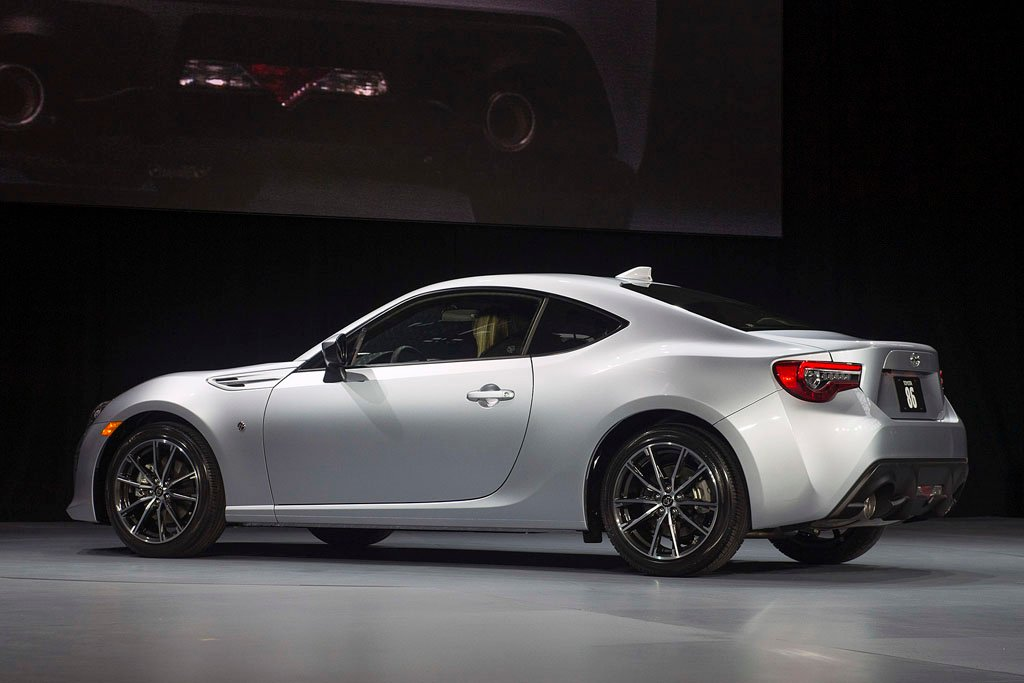 Share your thoughts 2017 toyota 86 shown off