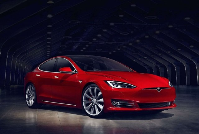 Tesla Model S drives 1,000km on single charge