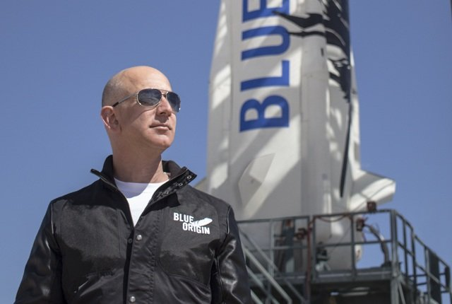 Jeff Bezos will build a colony on the moon