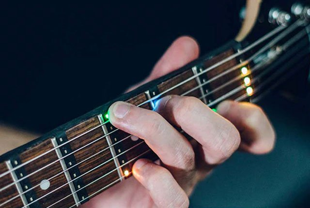 Fret Zeppelin LED guitar accessory teaches you how to play