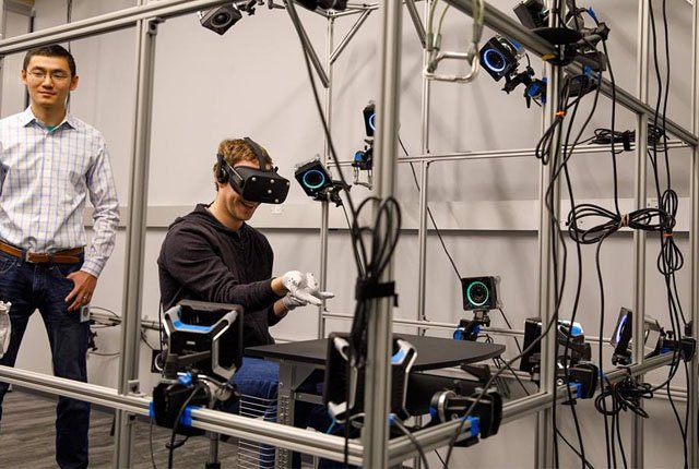 Inside Facebook's Oculus Research lab – Photos