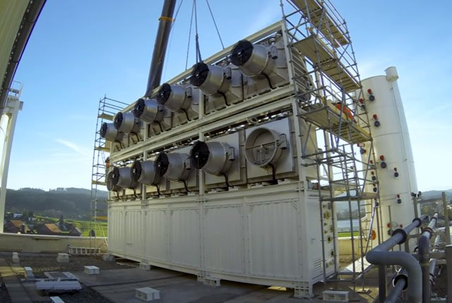 World's first commercial carbon capture plant sucks CO2 from the atmosphere
