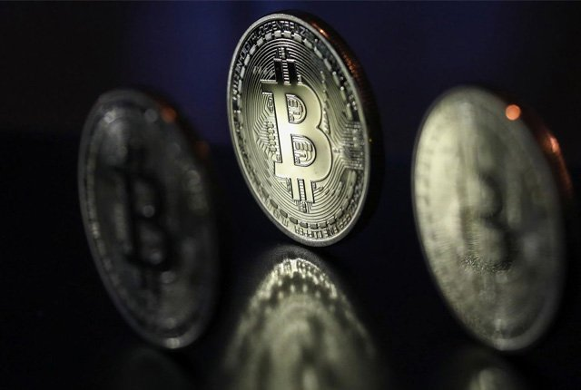 Bitcoin is a false truth, warns analyst