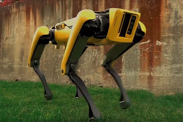 Boston Dynamics will start selling its robot dog in 2019