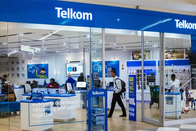 Telkom system failure is so bad it cannot even sell a prepaid SIM card