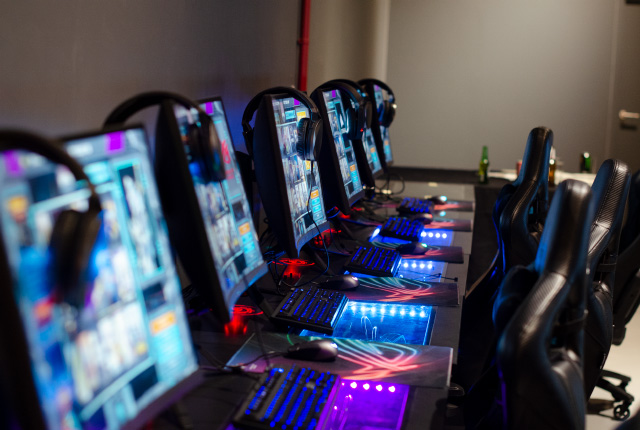 The awesome gaming rigs inside the ATK Arena in Cape Town