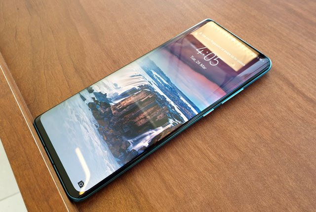 Hands-on with the Huawei P30 Pro – Photos