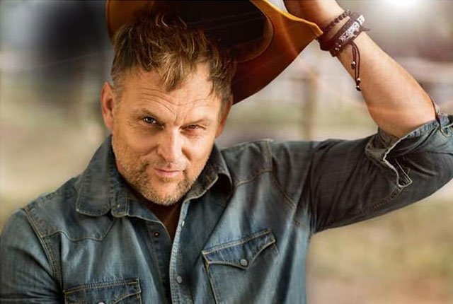 DStv bans any content with Steve Hofmeyr
