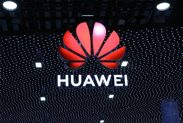 US warns British networks not to use Huawei's 5G equipment