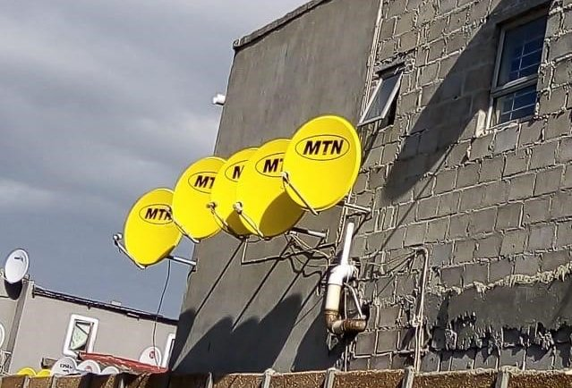 Why the houses along the N2 have yellow MTN DStv dishes