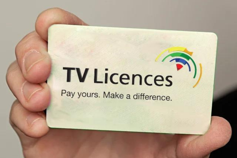 Goodbye TV Licence — Best big monitors and media boxes to replace your TV and DStv decoder