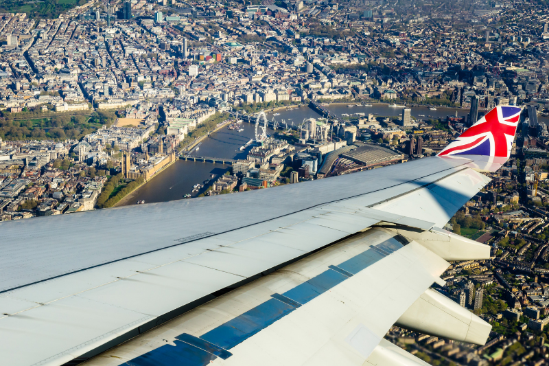 Flights from South Africa to the UK — cheapest prices compared